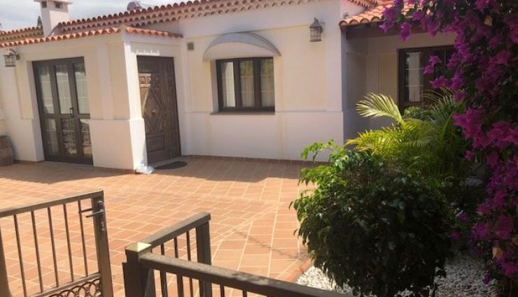 LONG TERM RENT!! House next to the Los Cristianos Beach